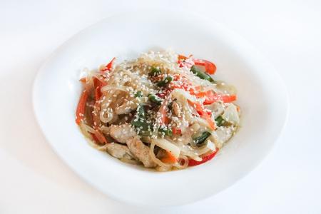 Харусаме + овощи + сливочный соус + цыпленок